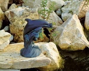 Delfin kerti vízköpő