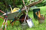 Kertészeti eszközök, mérőeszközök.
